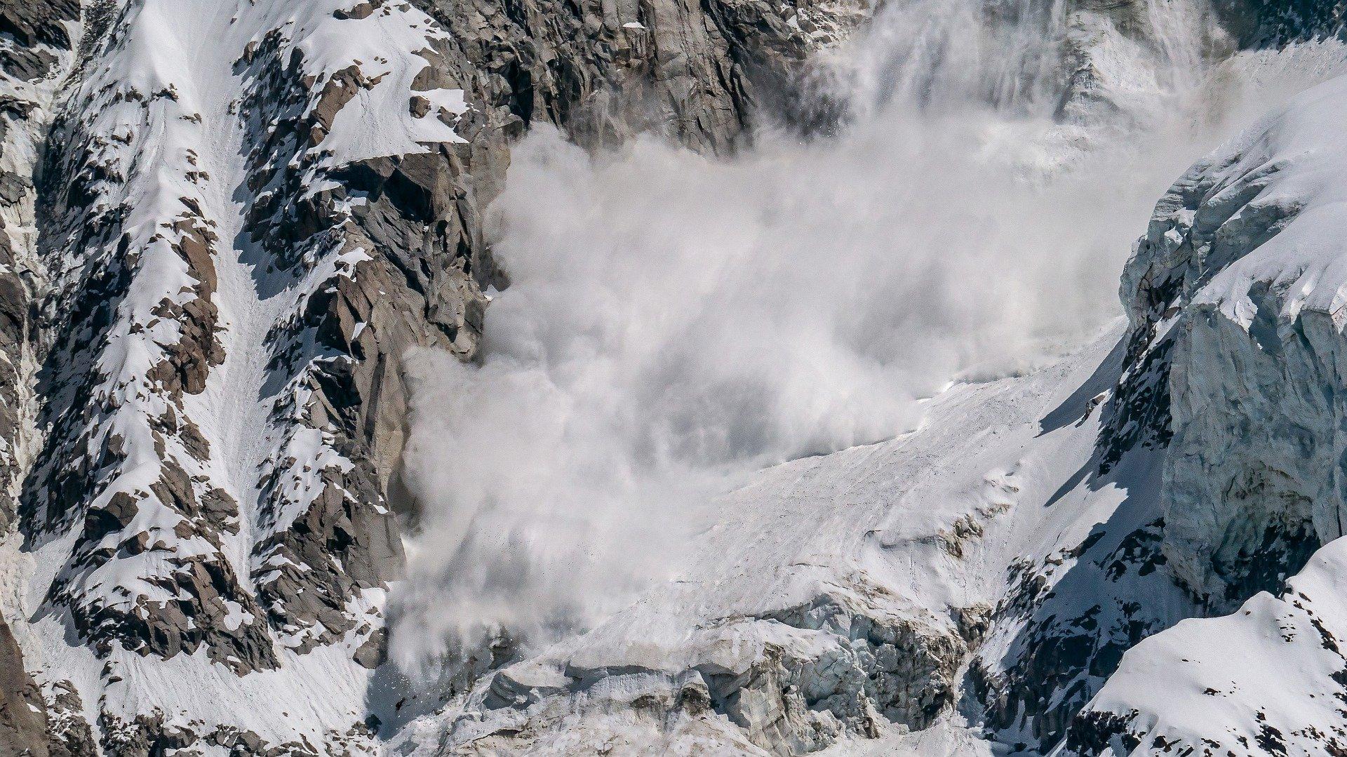 Z KRAJU: W Tatrach zeszła lawina. Trwa akcja ratunkowa! - Zdjęcie główne