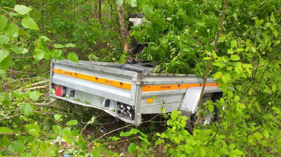 BRZOZÓW: Kierowca zasnął za kierownicą i zjechał ze skarpy! [FOTO] - Zdjęcie główne