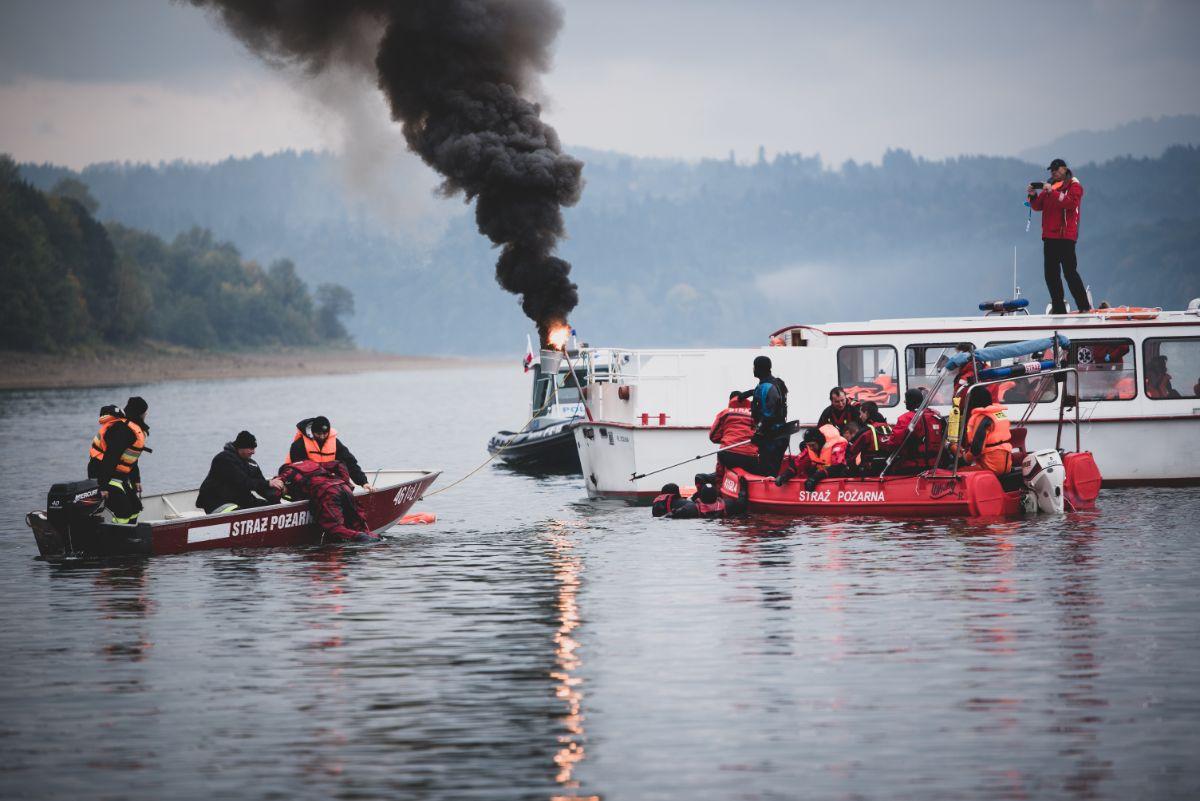 SOLINA: Płonący statek, turyści uwięzieni w zaporze! [VIDEO+ZDJĘCIA] - Zdjęcie główne