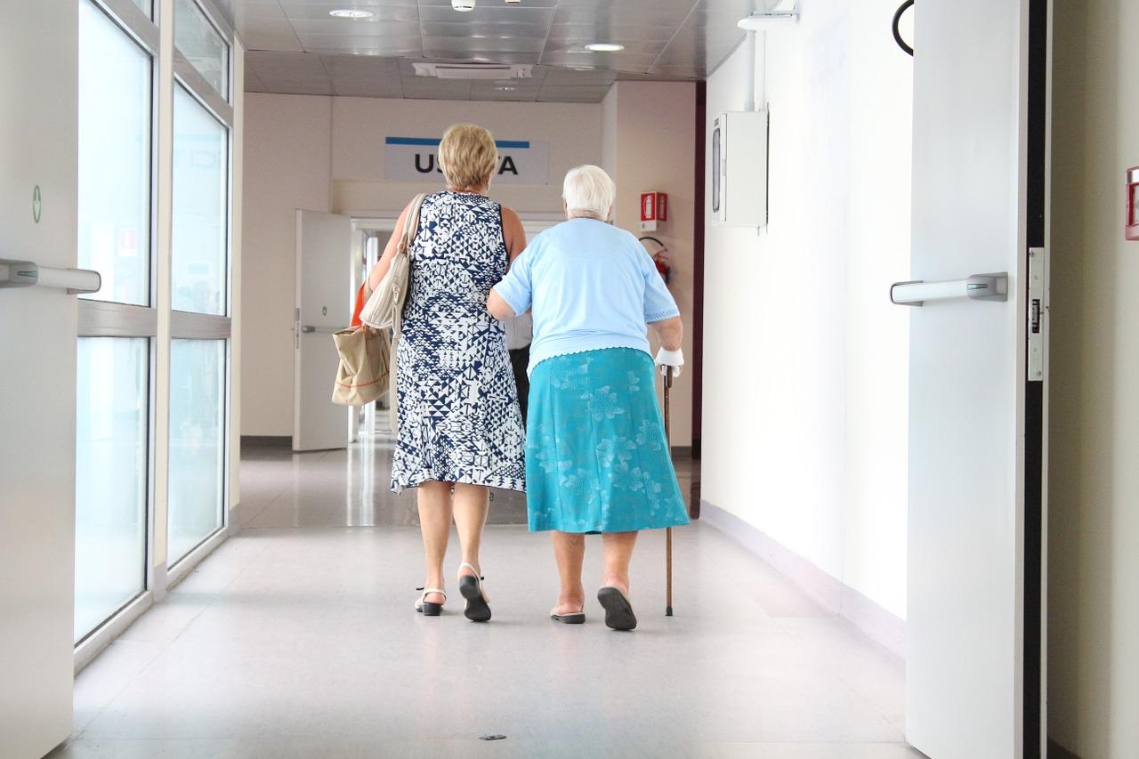 Polacy z powodu koronawirusa rzadziej korzystali ze świadczeń zdrowotnych - Zdjęcie główne