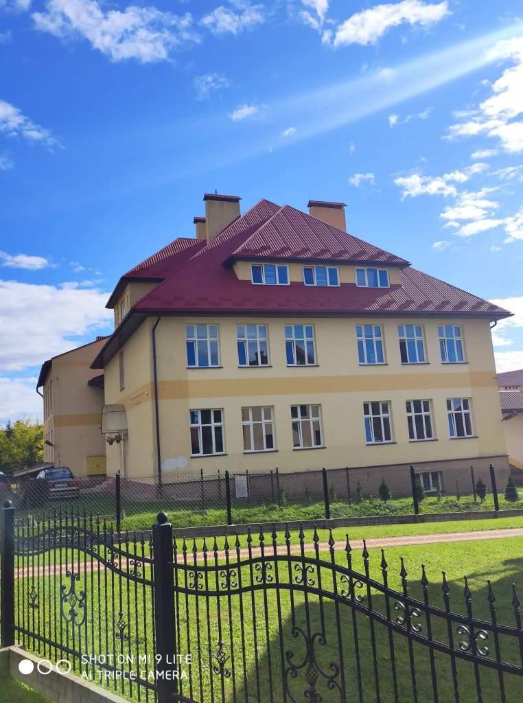 Gmina Sanok. Nowy wygląd Szkoły Podstawowej w Niebieszczanach [FOTO]  - Zdjęcie główne