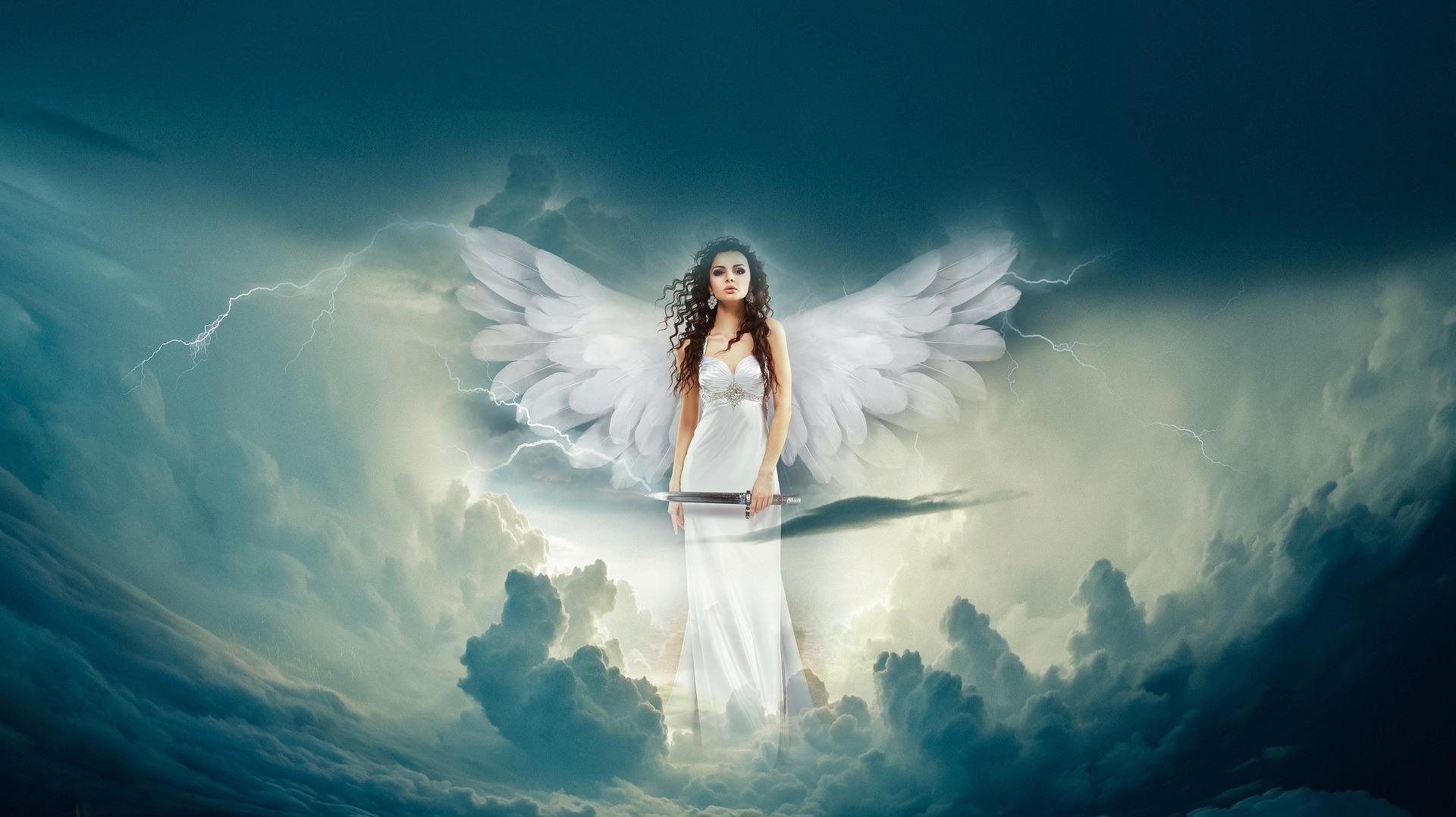 KĄCIK LITERACKI: Anioły - Zdjęcie główne