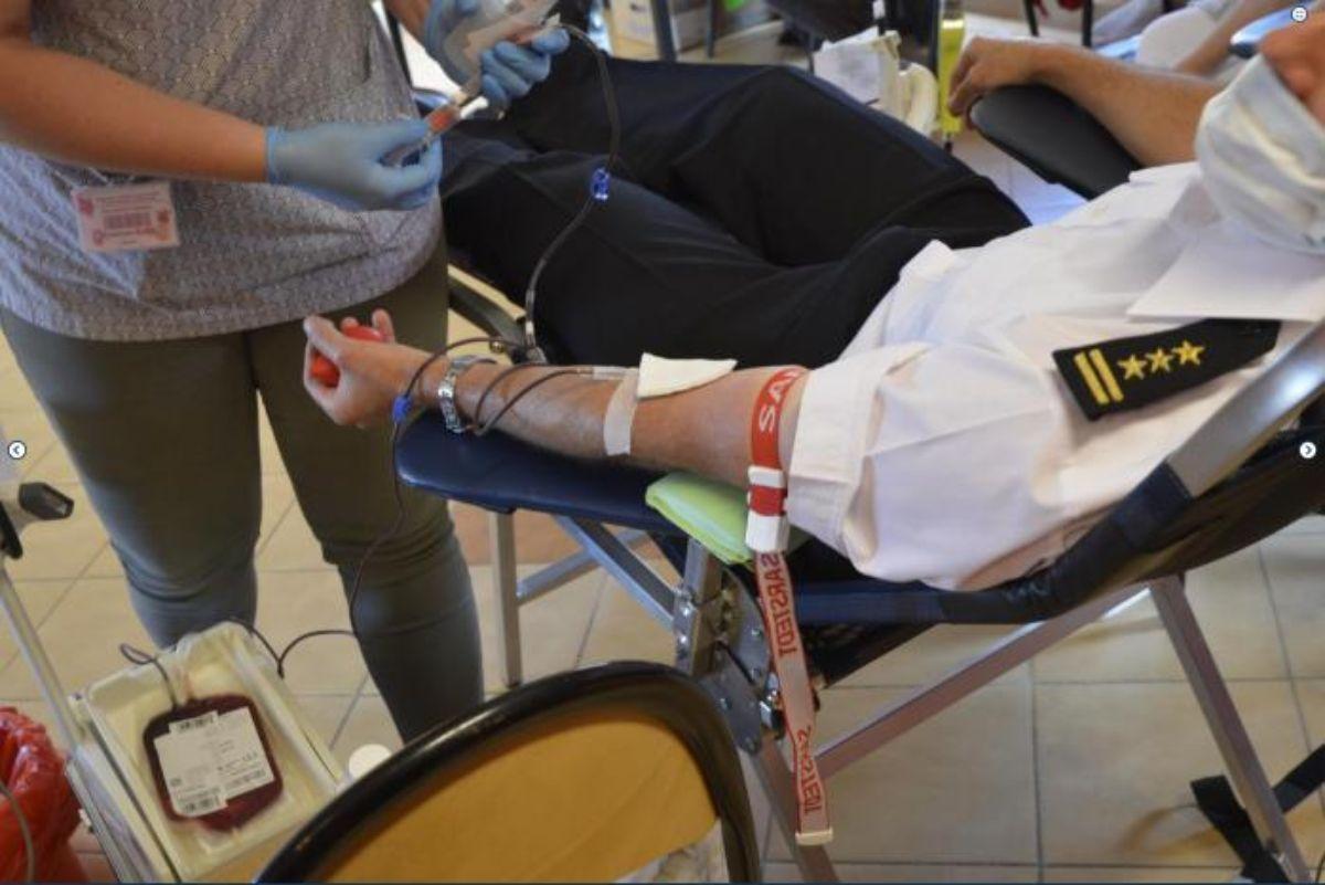Służby Zakładu Karnego w Uhercach Mineralnych po raz kolejny oddały krew - dar życia - Zdjęcie główne