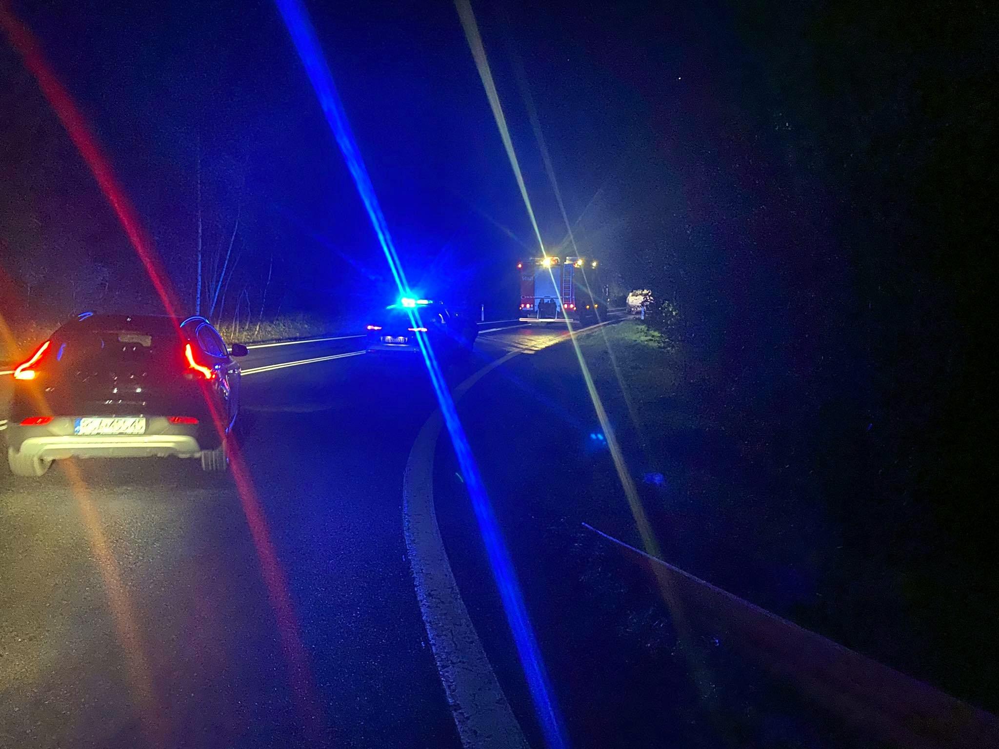 WUJSKIE: Samozapłon samochodu na serpentynach [FOTO+VIDEO] - Zdjęcie główne