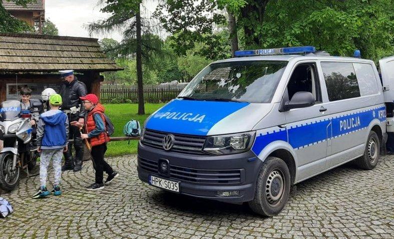 SANOK: Radiowozy i motory policyjne w Skansenie. Co tam się działo? [ZDJĘCIA] - Zdjęcie główne