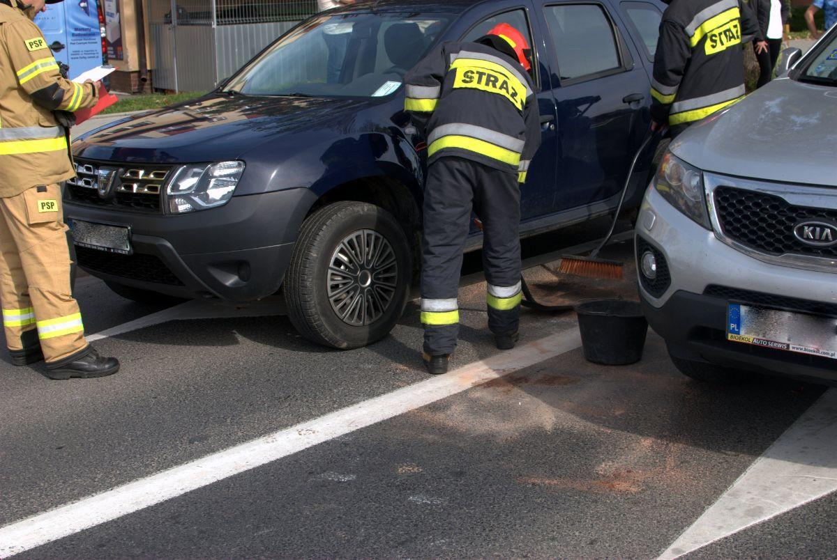 SANOK: Motorowerem wjechał w dwa samochody [ZDJĘCIA] - Zdjęcie główne