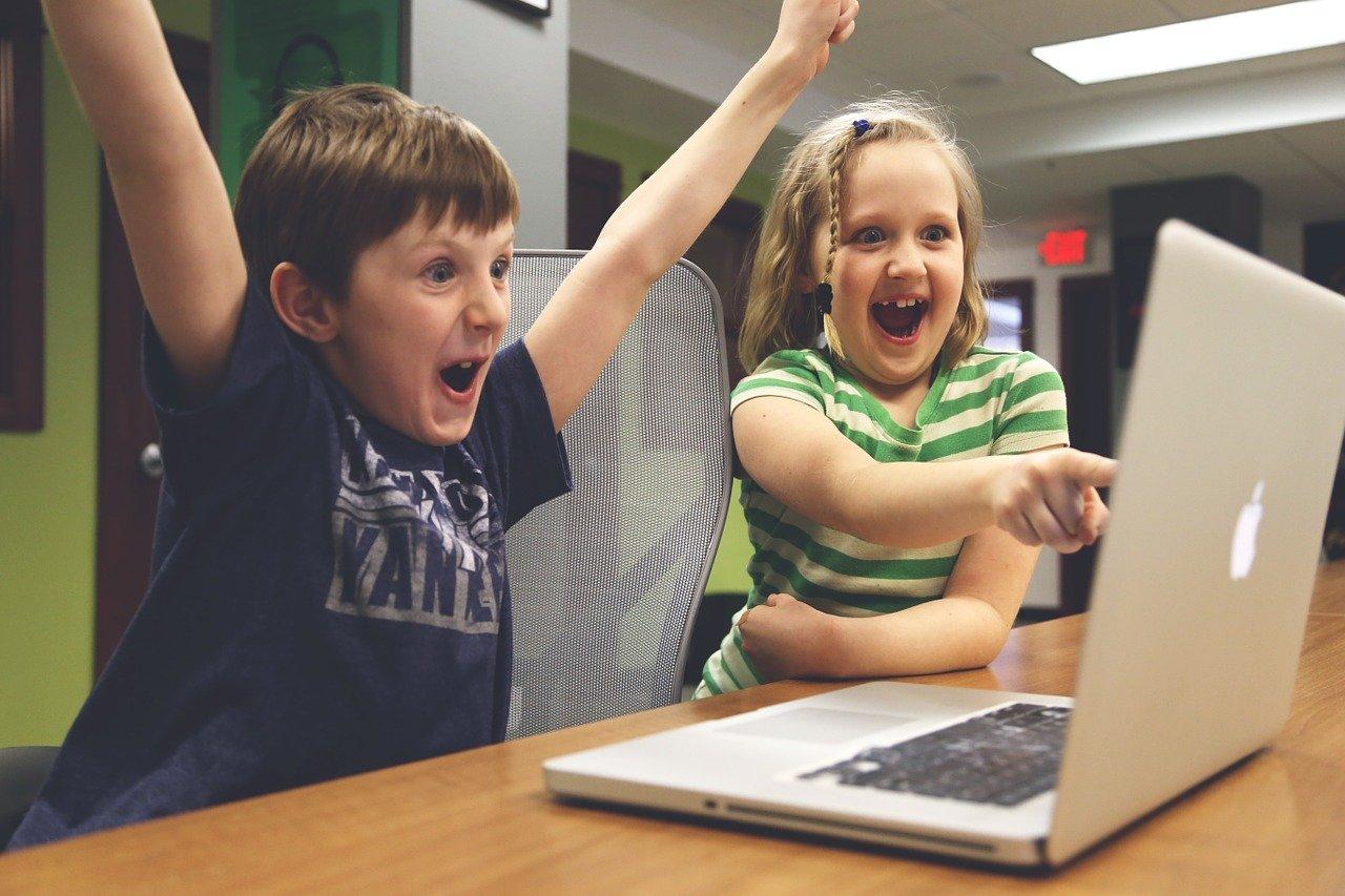 Pamiętajcie o bezpieczeństwie dzieci w internecie! - Zdjęcie główne