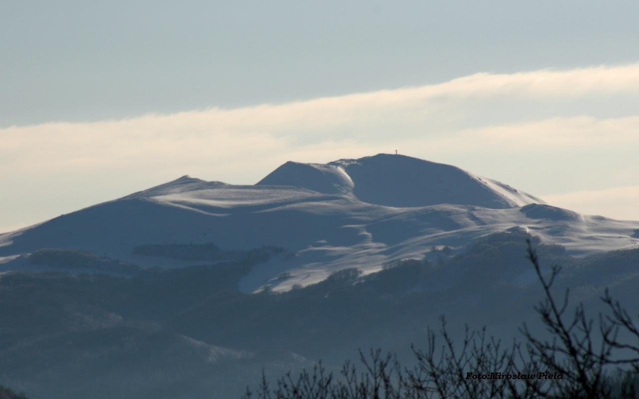 Śnieżne Bieszczady z Przełęczy Wyżnej [ZDJĘCIA] - Zdjęcie główne
