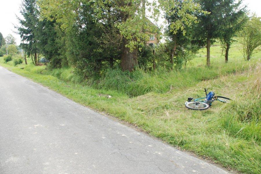 Dydnia: 12-letni rowerzysta wjechał pod samochód. Dziecko trafiło do szpitala - Zdjęcie główne