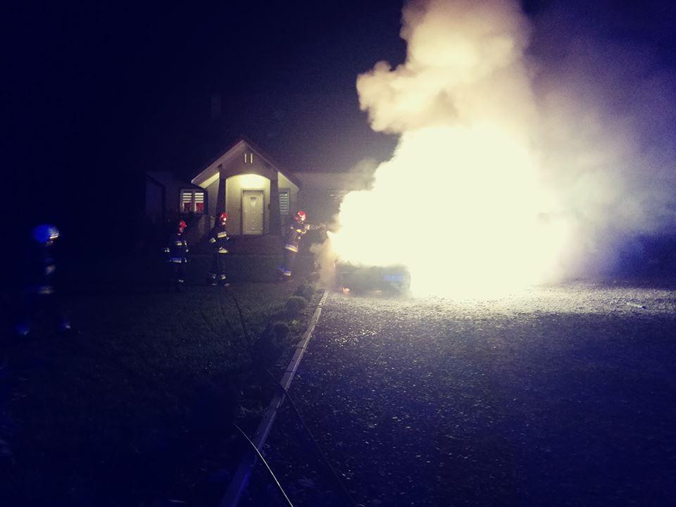 Pożar w Berezce. Spłonął samochód  - Zdjęcie główne