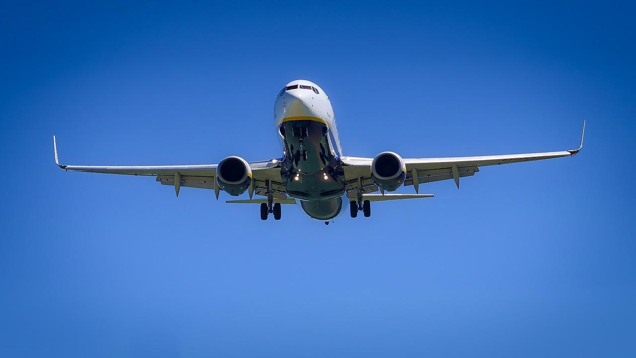 Nowe zasady bezpieczeństwa dla podróżujących samolotem - Zdjęcie główne