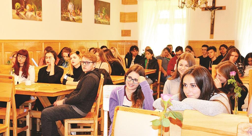 GMINA BUKOWSKO: Szlifowanie diamentów. Wolontariusze szkololi się w Zboiskach - Zdjęcie główne