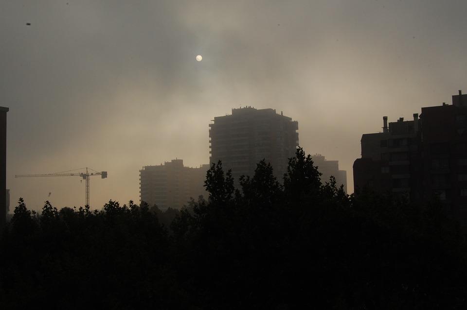 Smog dotarł nad Podkarpacie. Poziom stężenia pyłu PM10 może przekroczyć nawet 100 mikrogramów - Zdjęcie główne