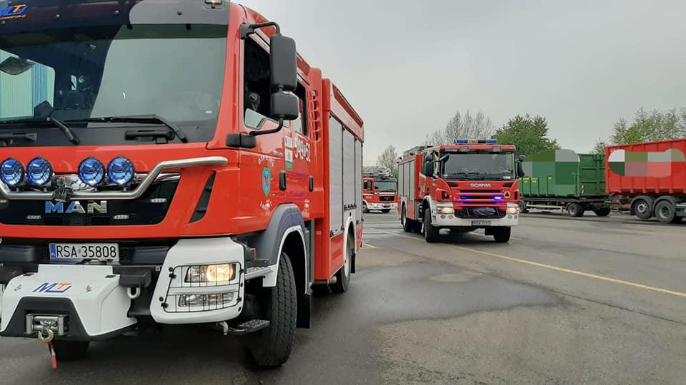 ZAGÓRZ: Pożar maszyny na hali produkcyjnej [FOTO] - Zdjęcie główne