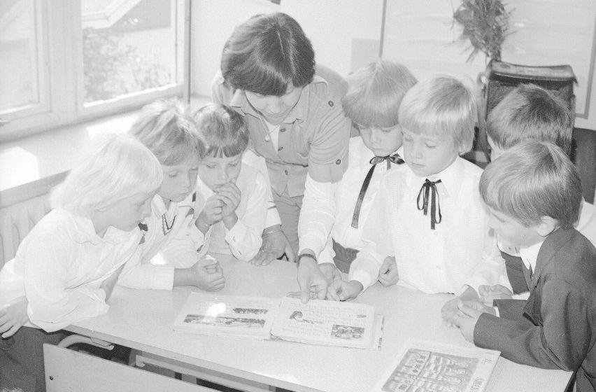 Inauguracja roku szkolnego dawniej. Zobacz archiwalne zdjęcia - Zdjęcie główne
