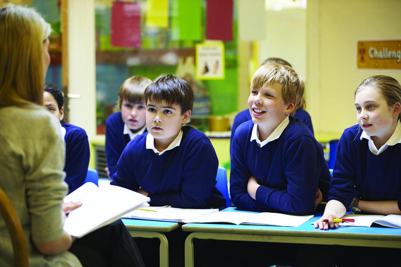 Nie ma konieczności, by zabraniać nauczycielom pracy w kilku szkołach - Zdjęcie główne