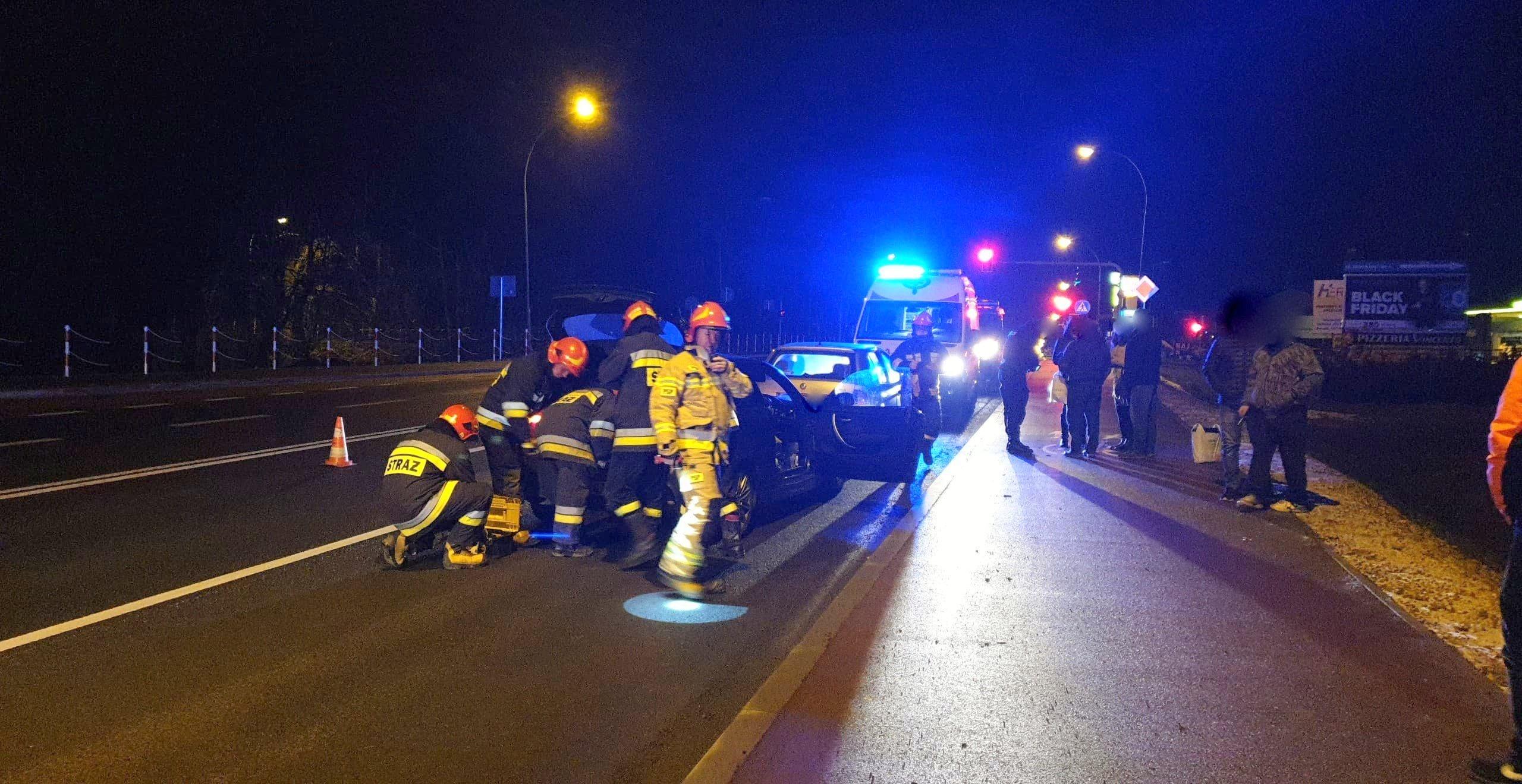 Z OSTATNIEJ CHWILI: Agresywny, pijany kierowca spowodował kolizję na Krakowskiej [ZDJĘCIA+VIDEO] - Zdjęcie główne