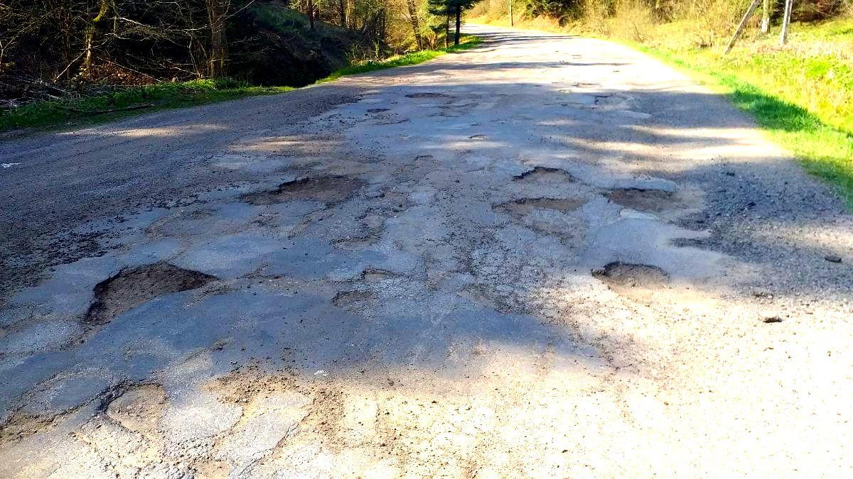 LISZNA: Mieszkańcy doczekają się remontu drogi w 2021 roku! - Zdjęcie główne