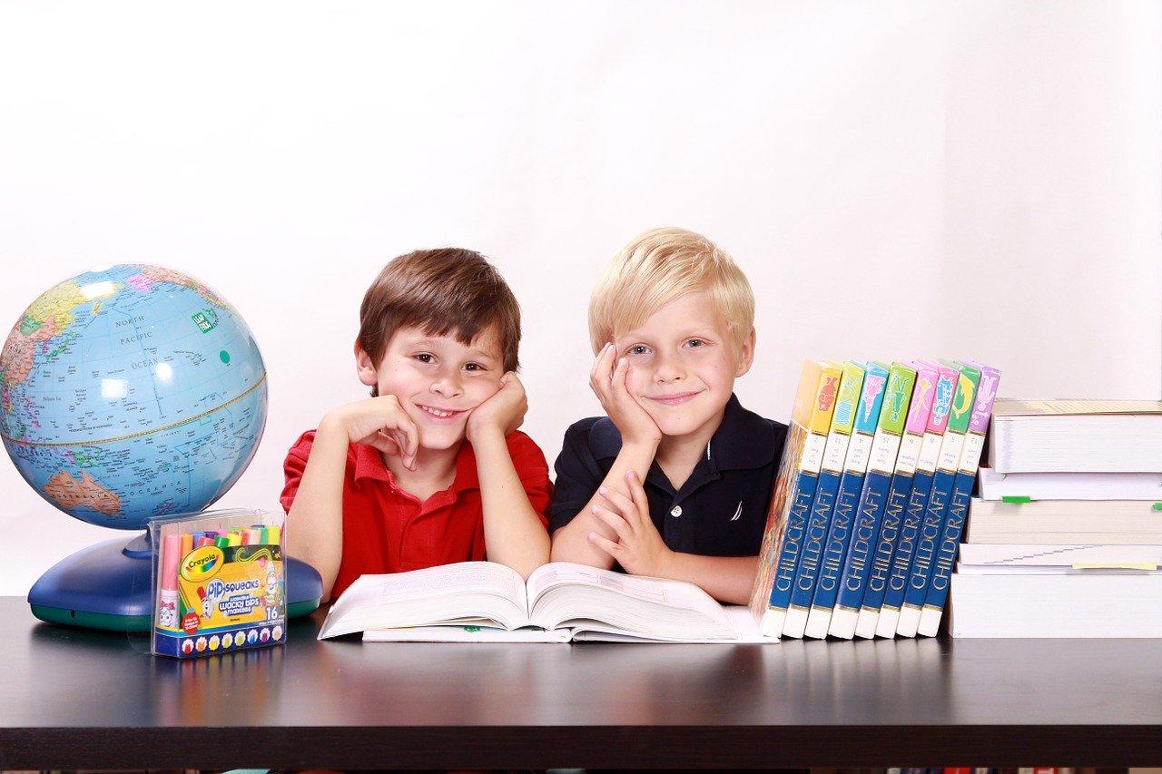 USTRZYKI DOLNE. Dzieci uczą rodziców w domu - Zdjęcie główne
