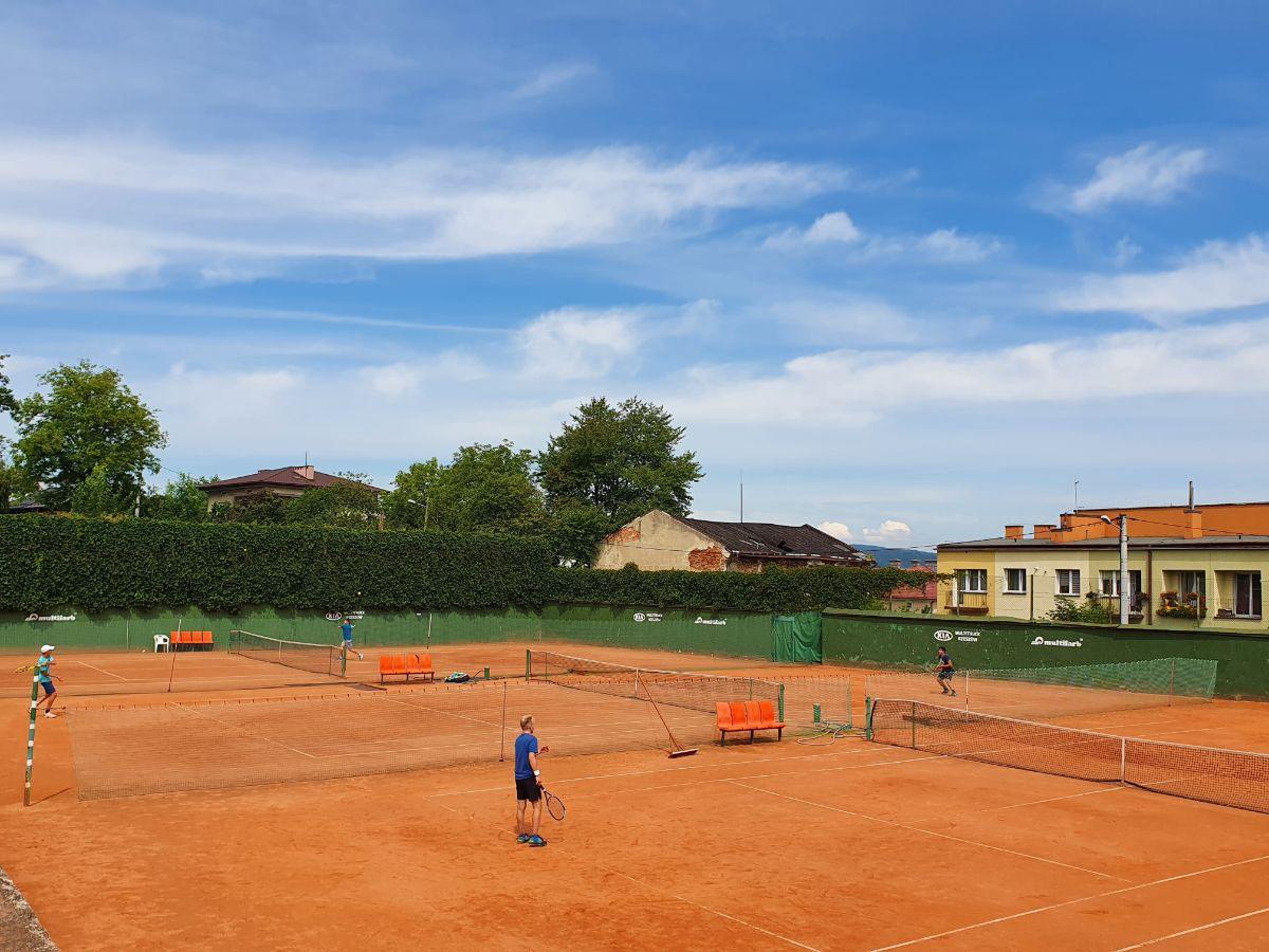 Mistrzostwa Sanoka w tenisie. Dzień pierwszy - Zdjęcie główne